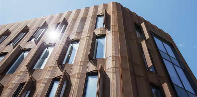 Eye-catching facade manufactured from perforated corten sheets